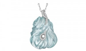 Aquamarine and Diamond Pendant Hand-carved 65.25 ct aquamarine, 85 VS-FG white diamonds, 18K white gold. L: 50 mm W: 36 mm D: 12 mm