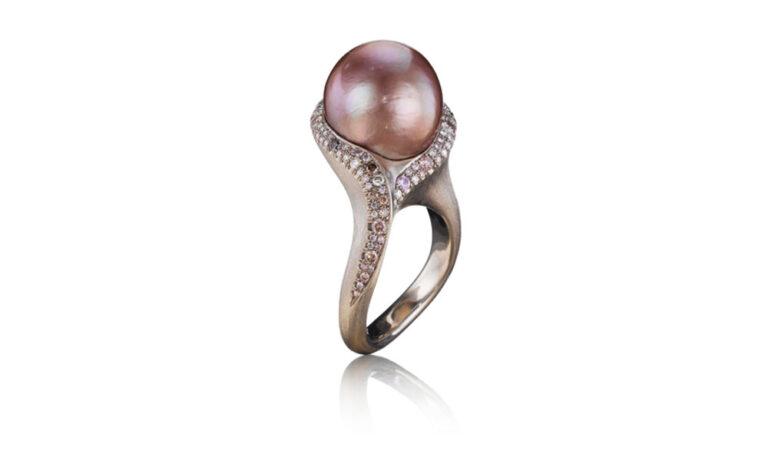 Mauve Pearl Ring