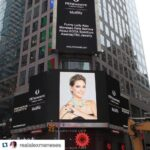 timesSquare_Naomi_Sarna_necklace