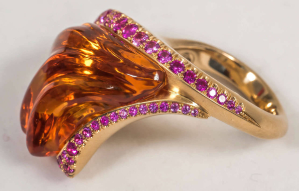 Sapphire Gold Ring Side | Solar Flare