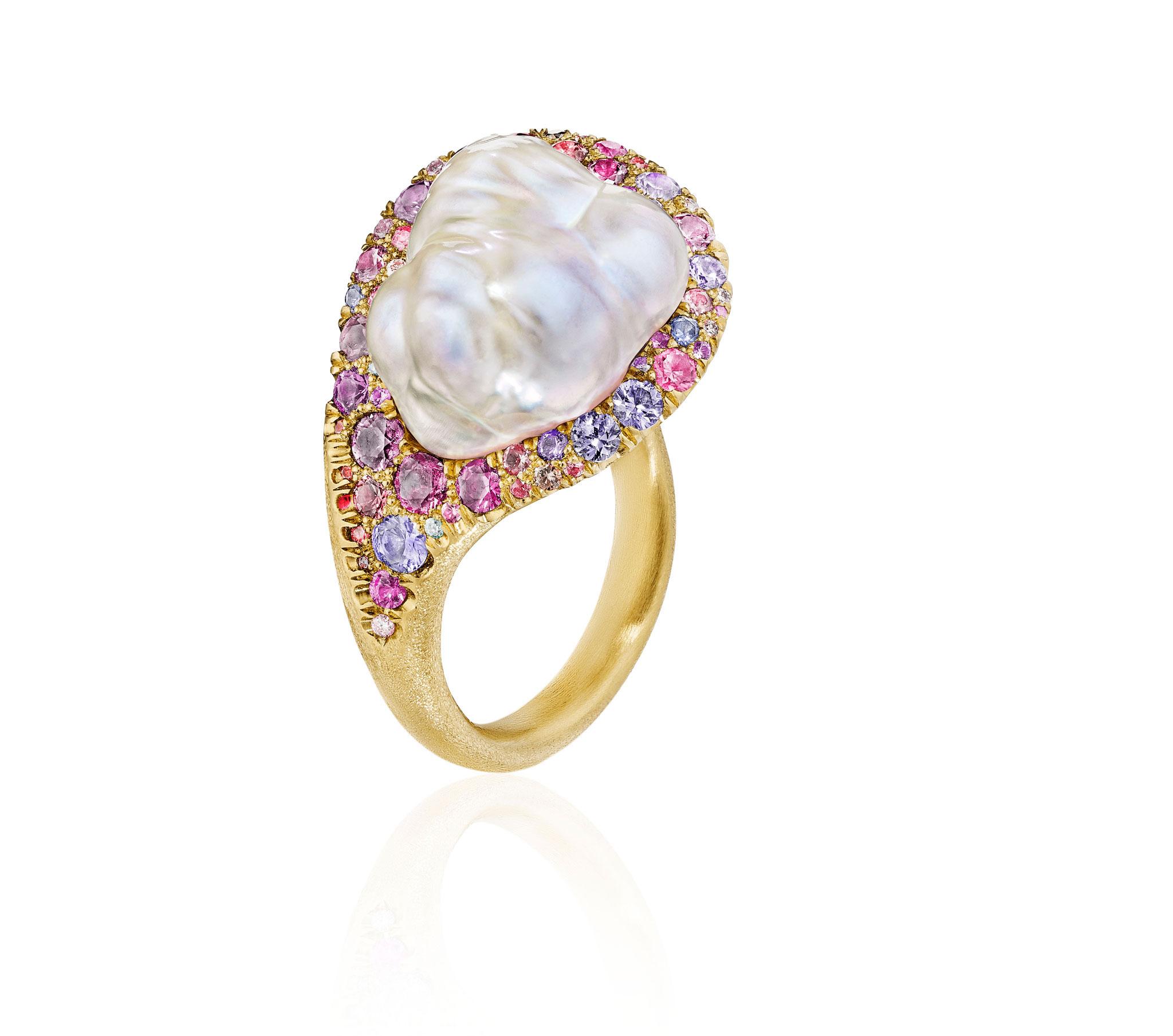 NaomiSarna PearlRing MulticolorGems HiRes Antfarm 1101NS65298 crop opt | International Award-Winning Jewelry Artist Naomi Sarna In Tucson for AGTA GemFair