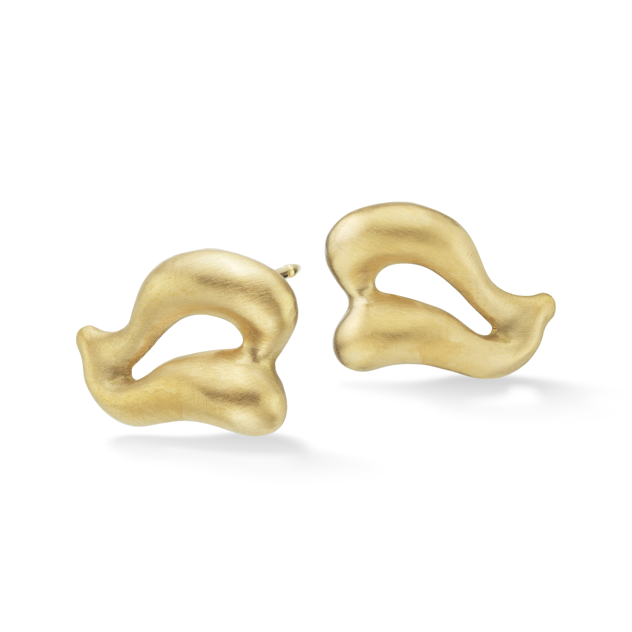 Gold Wing Earrings-18kGold-NS_er3-3_4_view-reshoot