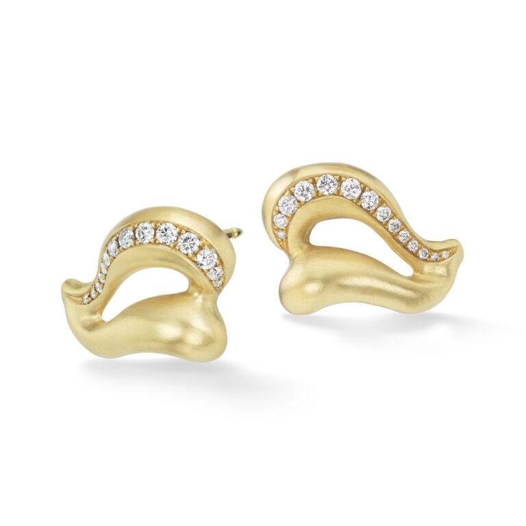 Gold Wing Earrings Diamond-18kgold-Diamonds-NS_er2-3_4_view-reshoot